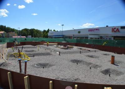 Grundläggning för 1 av 3 nya centrumbyggnad.